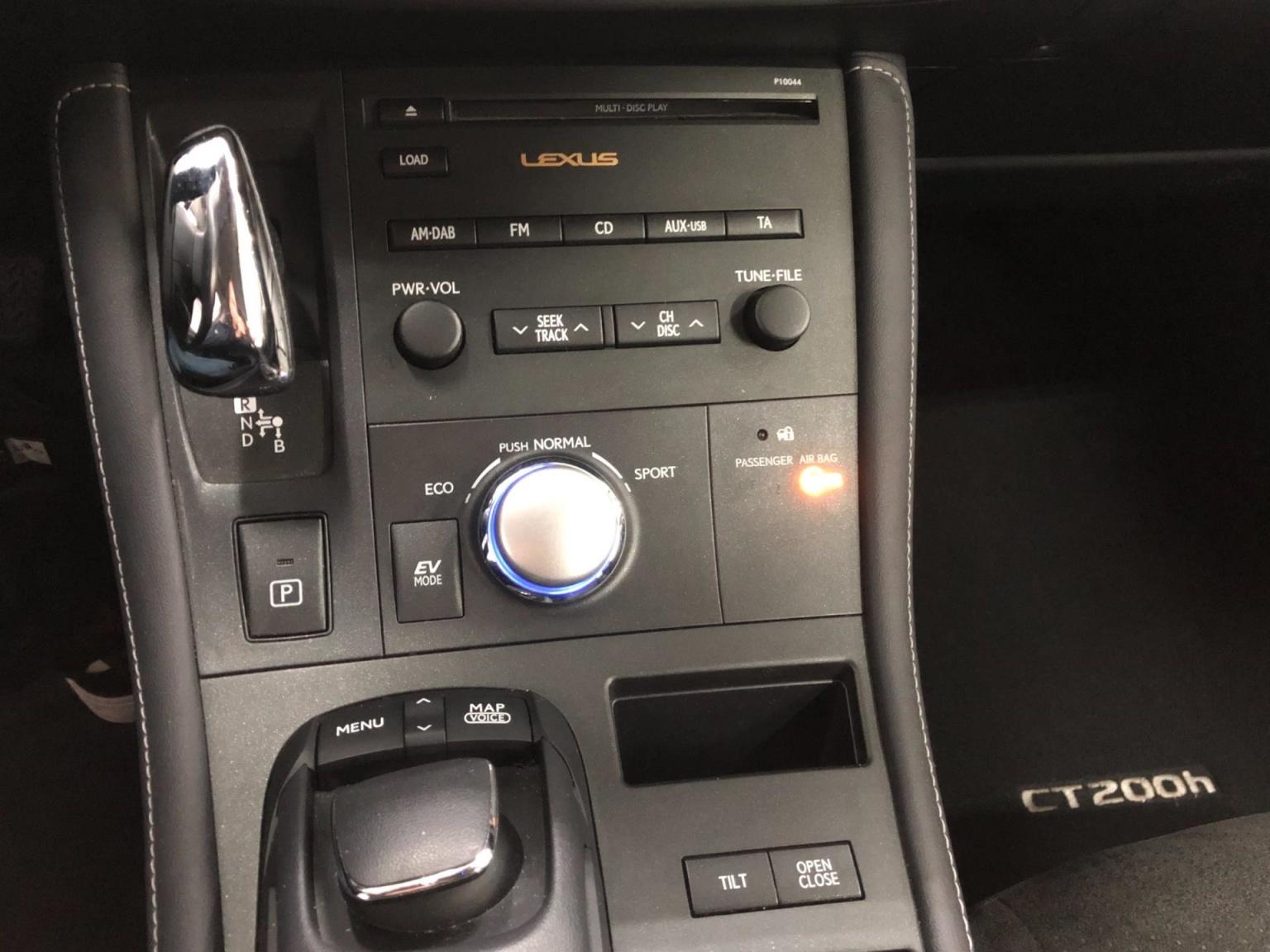 Lexus-CT-13