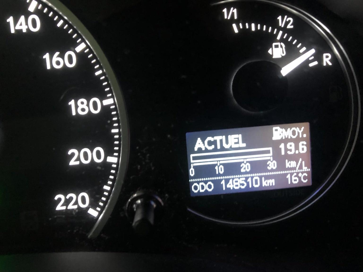 Lexus-CT-12